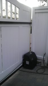 D004 - Homeowner - Wood Sliding Gate With Vinyl 03