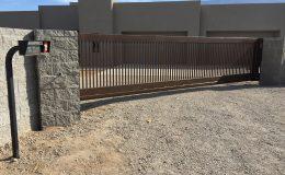 NM sliding gate