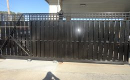 Cantilever Sliding Gate in Aluminum