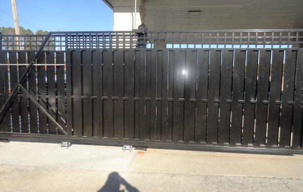 Aluminum Cantilever Privacy Gate