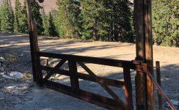 D133-DuraGates Cantilever Sliding Wooden Gate