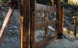 D133-Wood Cantilever Sliding Gate